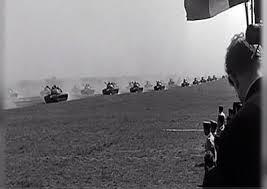 Défilé de Chars français et allemands à Mourmelon. Ici AMX 13... qui avait des ascendances allemandes!