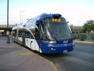"""Bus à """"haut niveau de service"""" et guidage optique dans la circulation"""