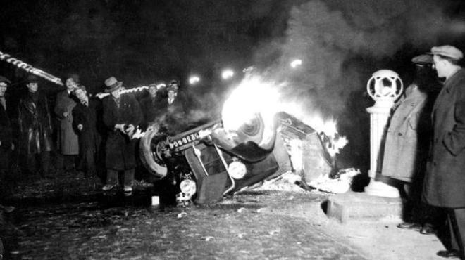 Accident de voiture place de la Concorde